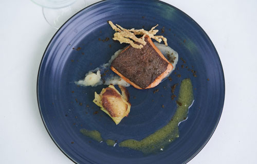 The Lawn Canggu - Panseared Salmon With Ceylon Apple Pie Vanilla Vinaigrette & Aple Pure
