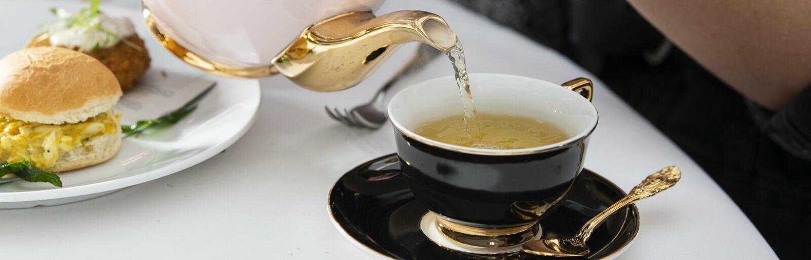 Present Exceptional Tea Moments